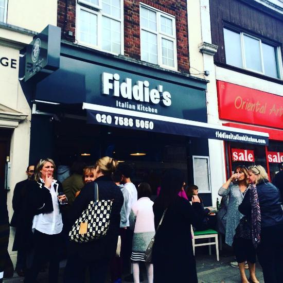 Fiddie s italian kitchen london restaurant reviews for Italian kitchen hanham phone number