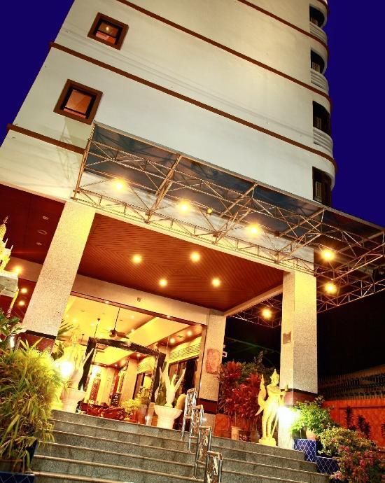 Huahin Loft Hotel