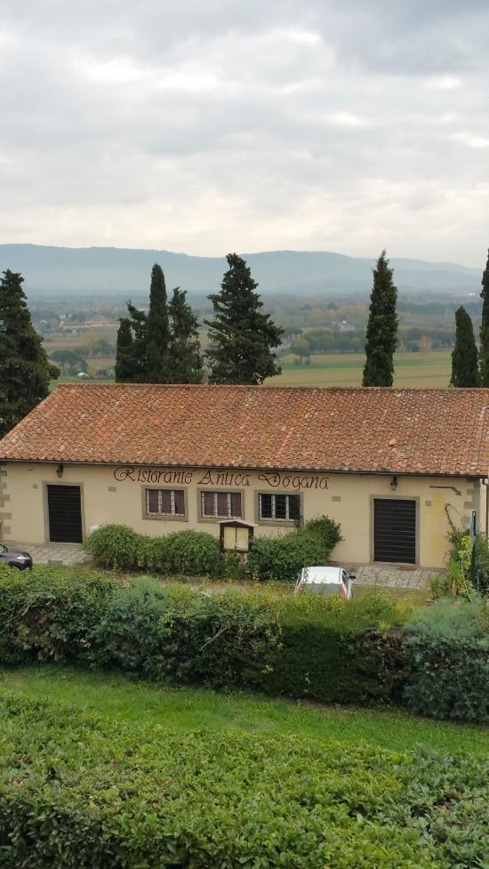 La dogana updated 2017 farmhouse reviews price for Mobili 82 tuoro sul trasimeno