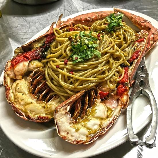 Restaurant paro pelissanne restaurant avis num ro de for Restaurant poisson salon de provence