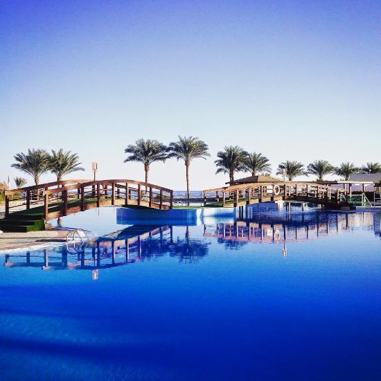 D golden sunrise beach resort
