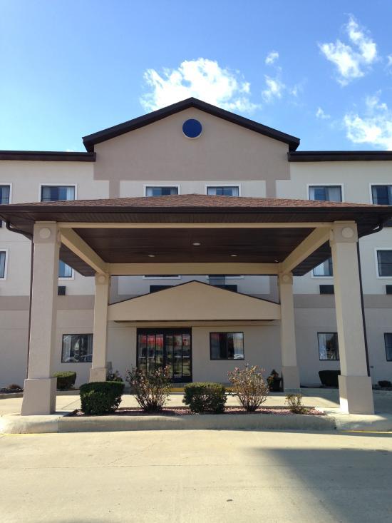 Salem Inn And Suites