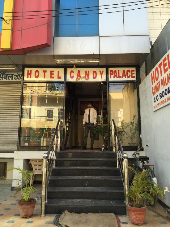 Hotel candy palace fr n 213 kr jaipur indien omd men for Candy hotel