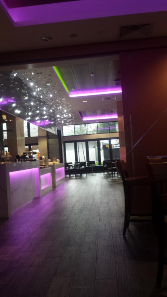 Palms City Resort Darwin Restaurant