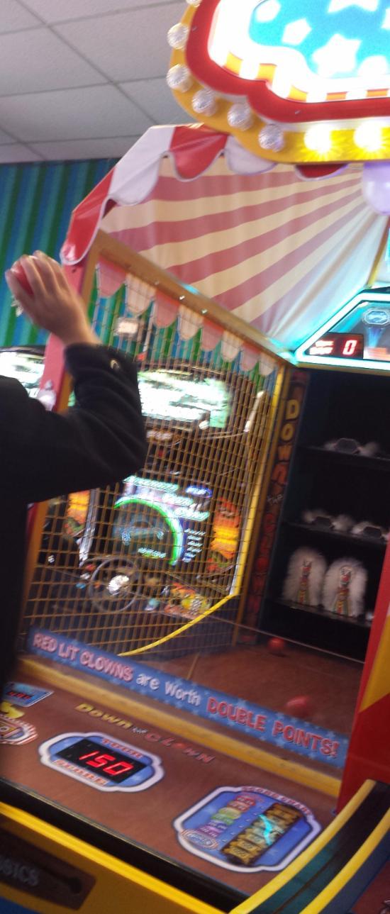 Leonelli's Playland Arcade