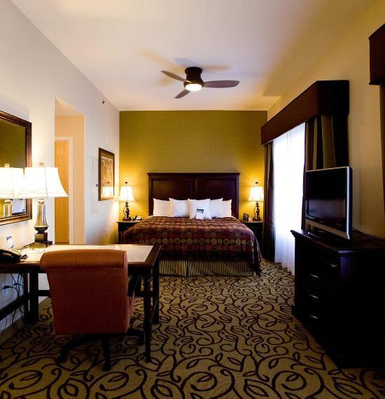 拉斯維加斯機場家庭式套房酒店