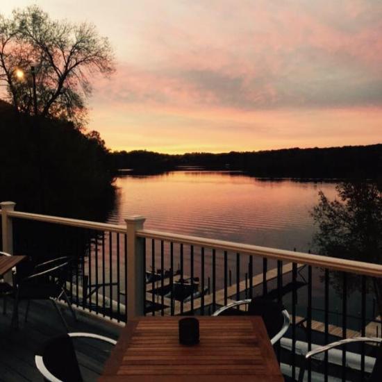 Birch S On The Lake Long Lake Menu Prices Amp Restaurant