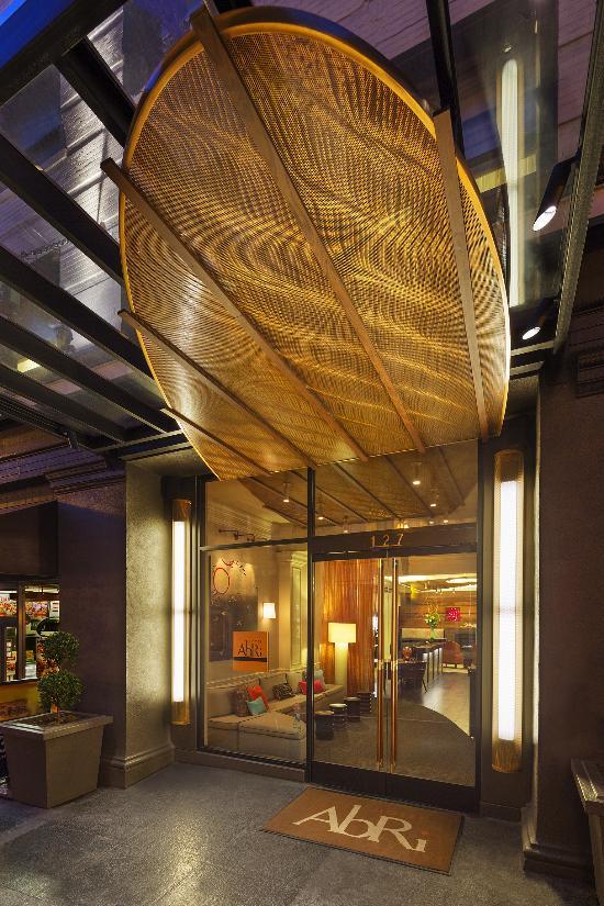 โรงแรมอาบรี