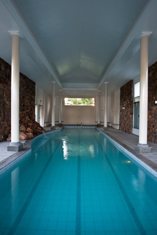 Pool (168698419)