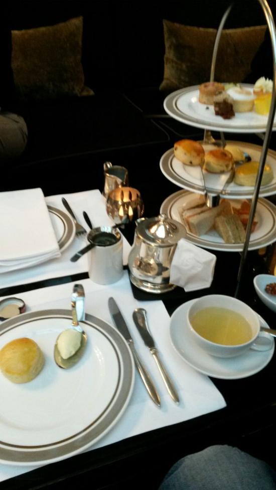 Hotel De Rome Teatime