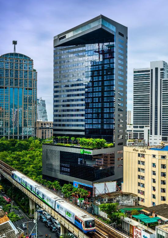 曼谷素坤逸路假日酒店