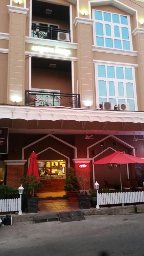 The Pillar Hotel
