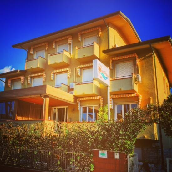 Hotel alberta updated 2017 reviews price comparison lido di camaiore italy tuscany - Bagno sole lido di camaiore ...