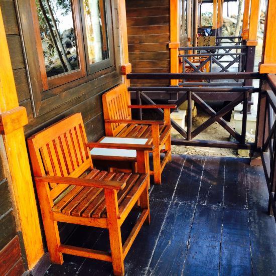 bukit berahu cottage belitung island indon sie voir les tarifs et avis cottage tripadvisor. Black Bedroom Furniture Sets. Home Design Ideas