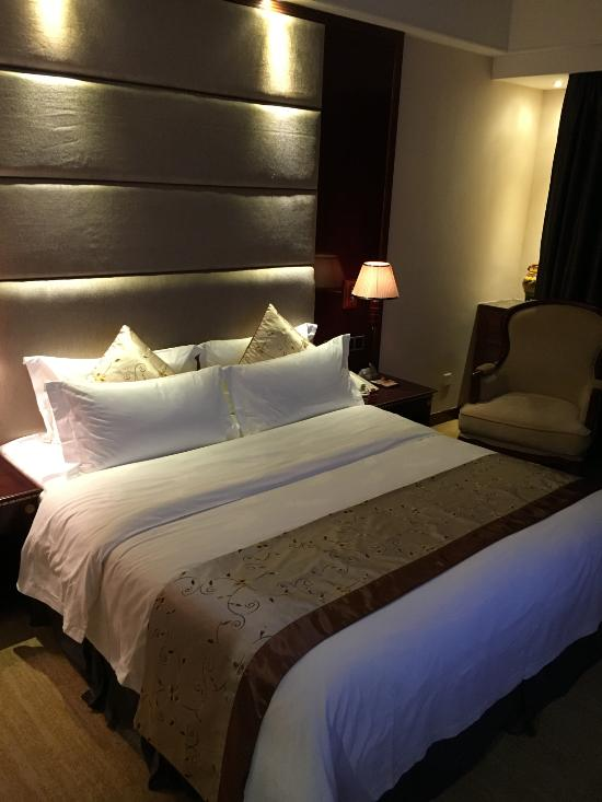 Rong Jiang Hotel
