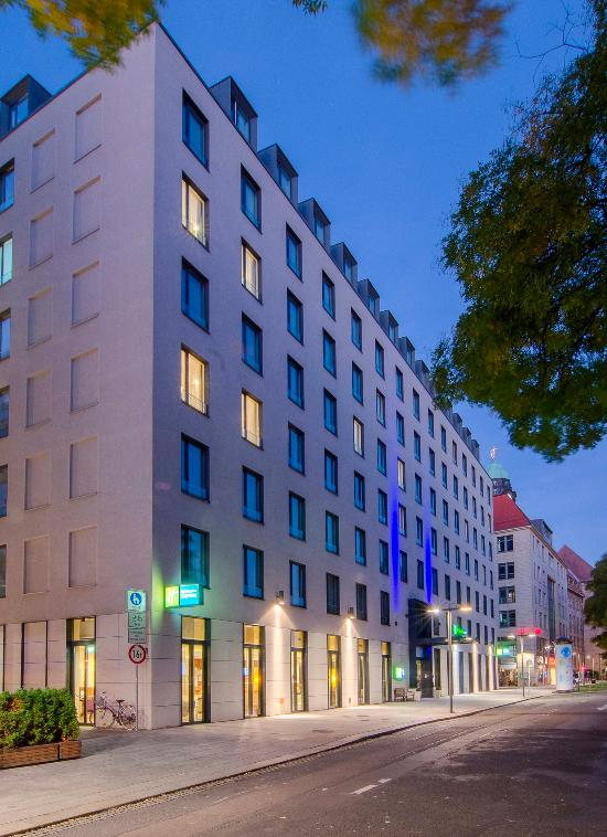 holiday inn express dresden city centre germany hotel reviews tripadvisor. Black Bedroom Furniture Sets. Home Design Ideas