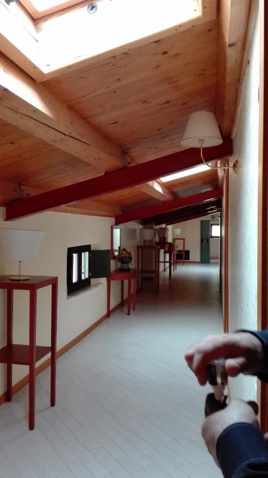 Villa americana park hotel rodi garganico itali foto 39 s reviews en prijsvergelijking - Kleedkamer voor mansard kamer ...