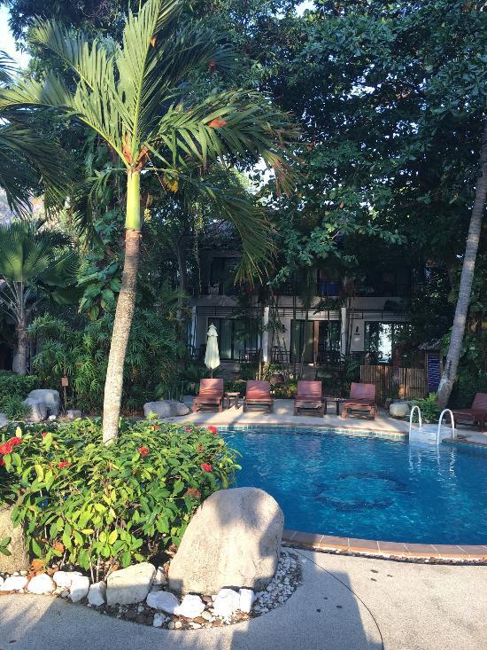 日出熱帶度假村
