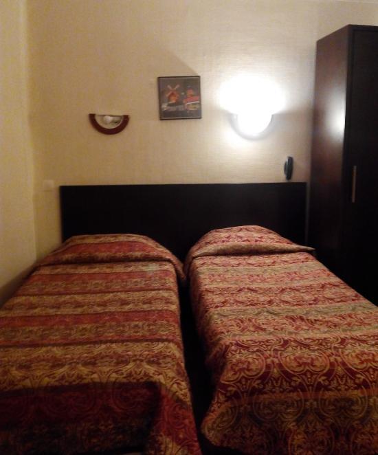 普林塔尼亞酒店