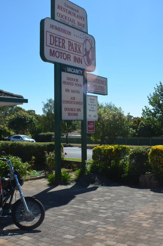Deer Park Motor Inn