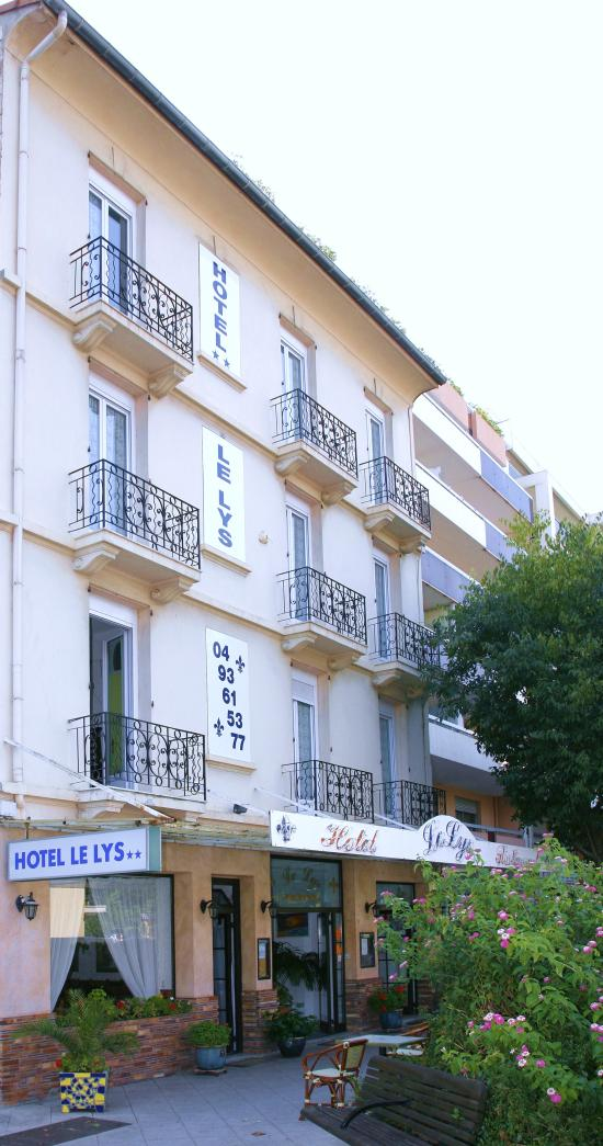Hotel trianon reviews price comparison juan les pins for Hotels juan les pins