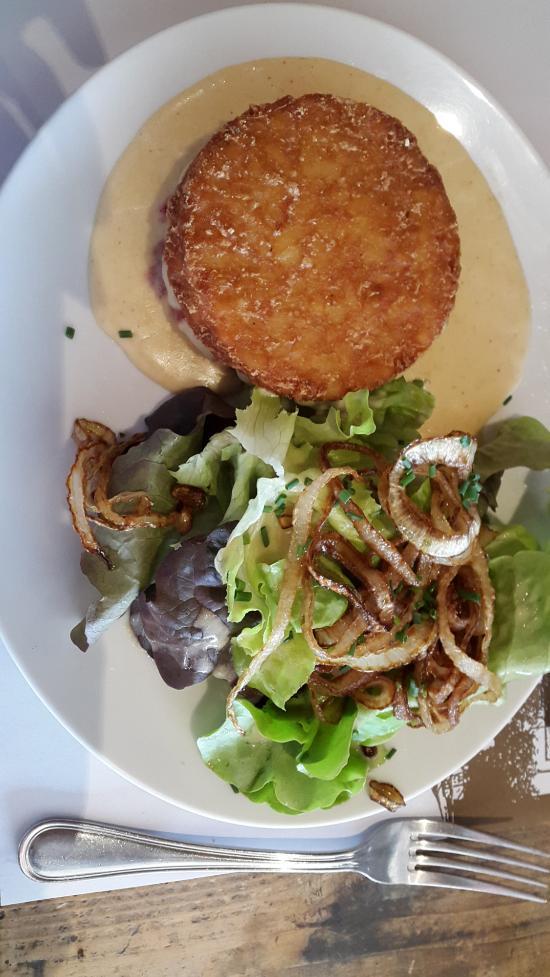 Cafe De La Place Menthon Saint Bernard