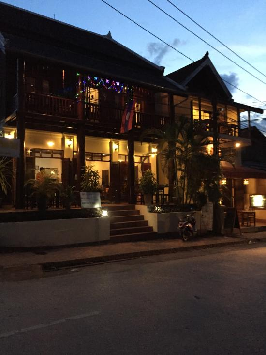 Charming place hotel luang prabang laos omd men och for Quaint hotel