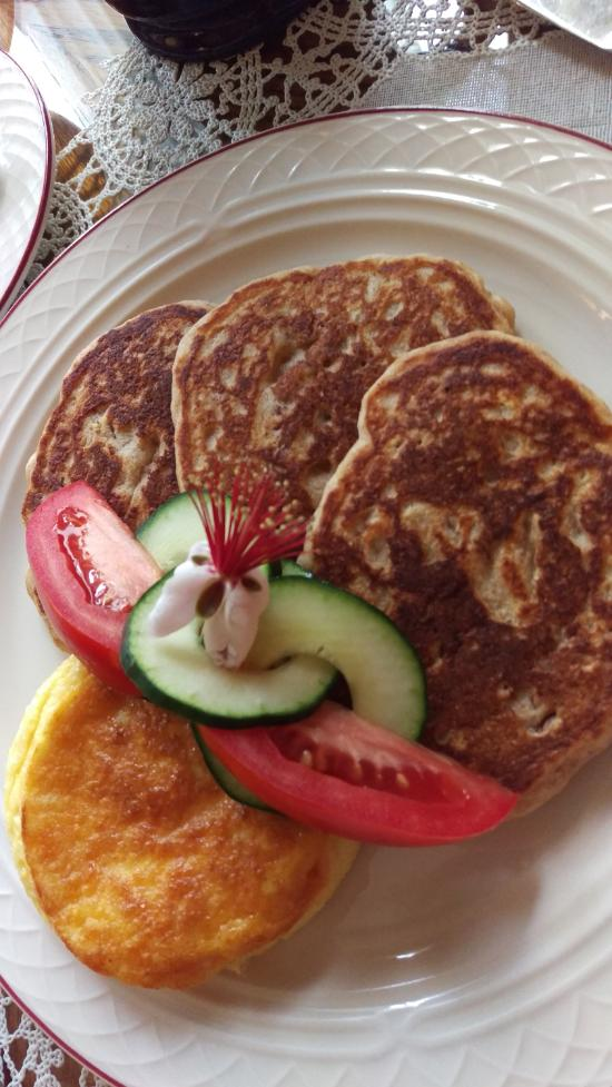This baked omelet and these oatmeal pecan pancakes were delicious!
