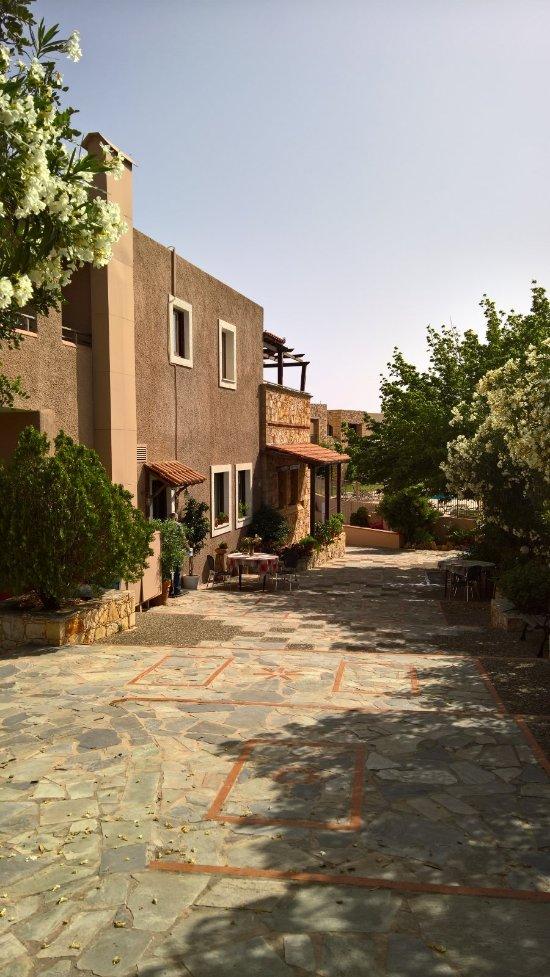 Areti Aparthotel