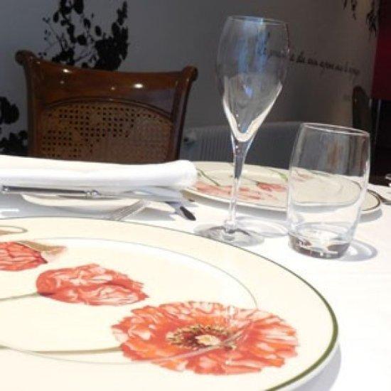 restaurant la vigneraie dans reims avec cuisine fran aise. Black Bedroom Furniture Sets. Home Design Ideas