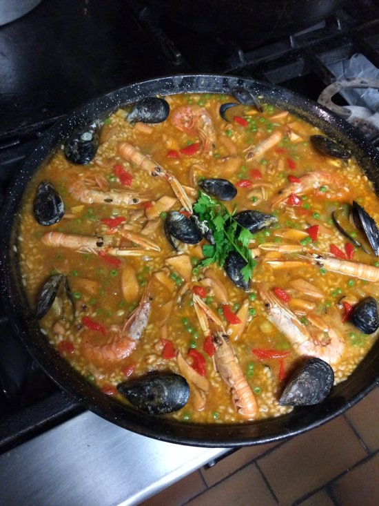 Hostal - Restaurant   Sol Y Sombra