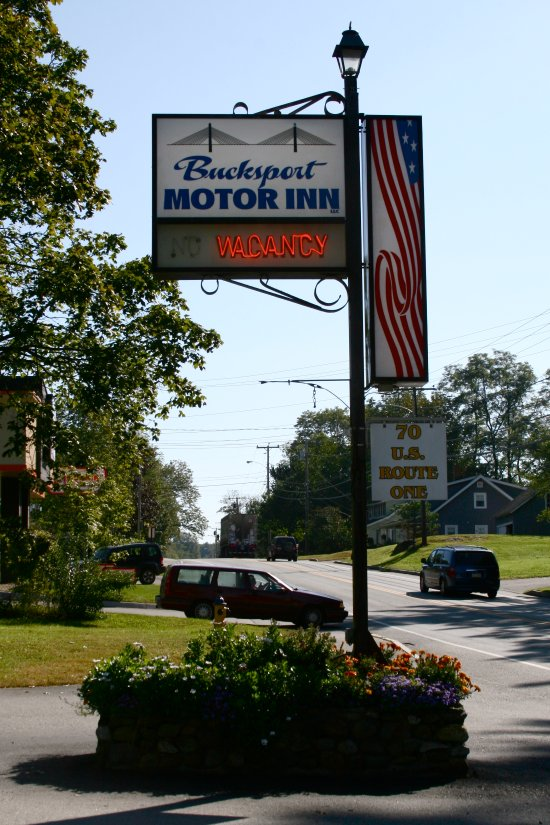 Bucksport Motor Inn