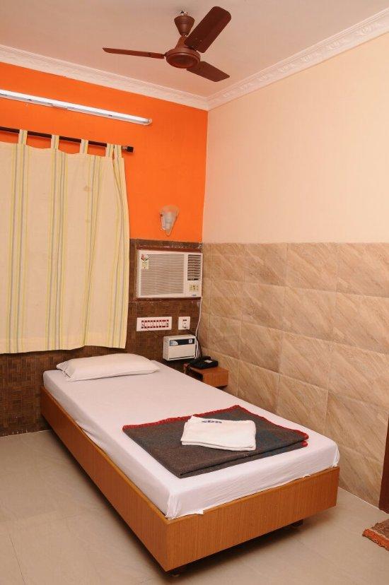Sarovara Deluxe Rooms