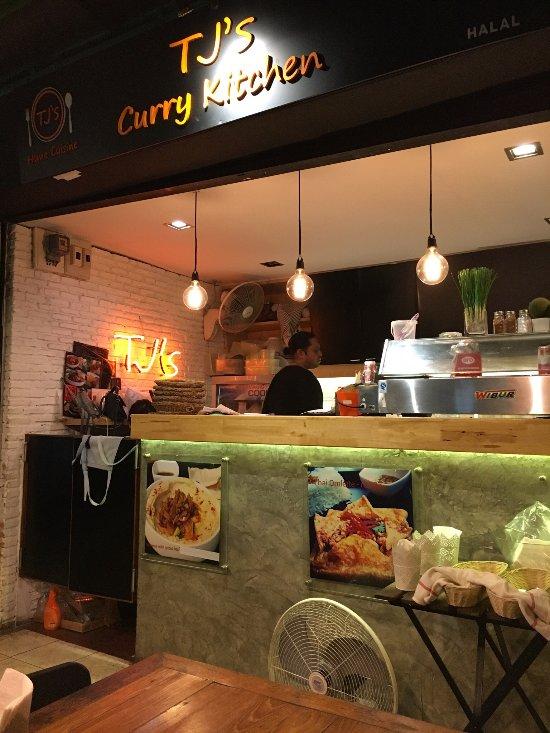 Tj 39 s curry kitchen suanplu soi 8 bangkok sathorn for P kitchen restaurant bangkok
