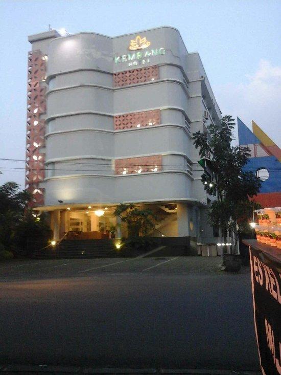 Kembang Hotel See 10 Reviews Price Comparison And 26 Photos