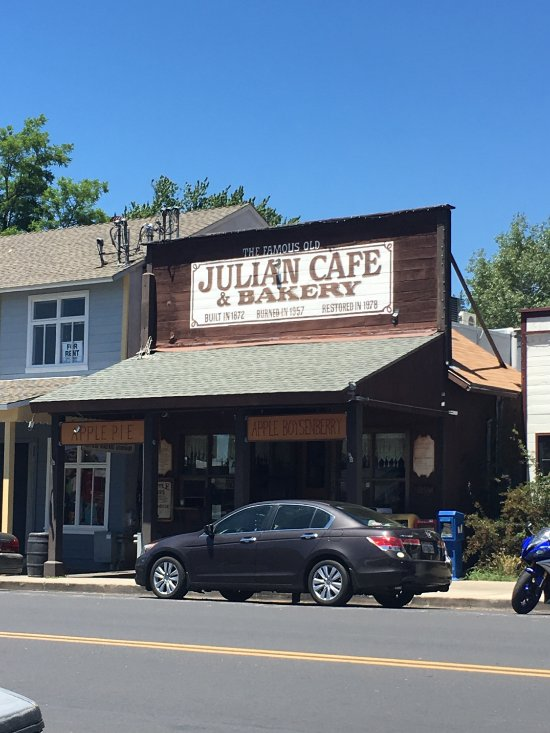 Julian Cafe And Bakery Hours