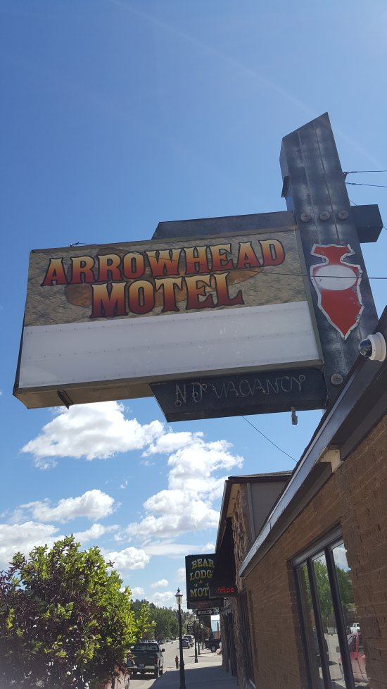 Budget Host Arrowhead Motel