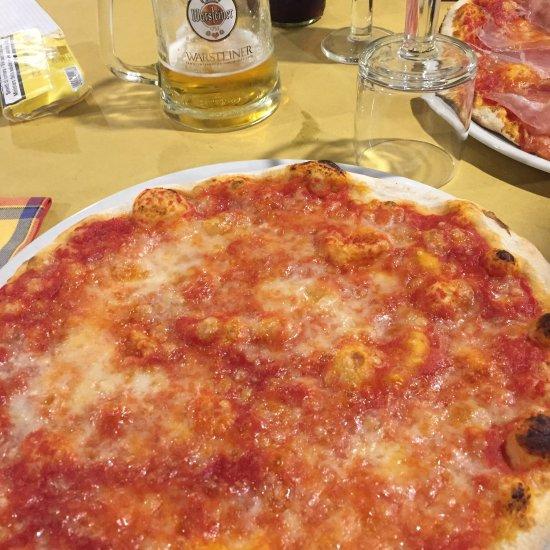Ristorante pizzeria le terme in roma con cucina pizza e - Pizzeria le finestre roma ...