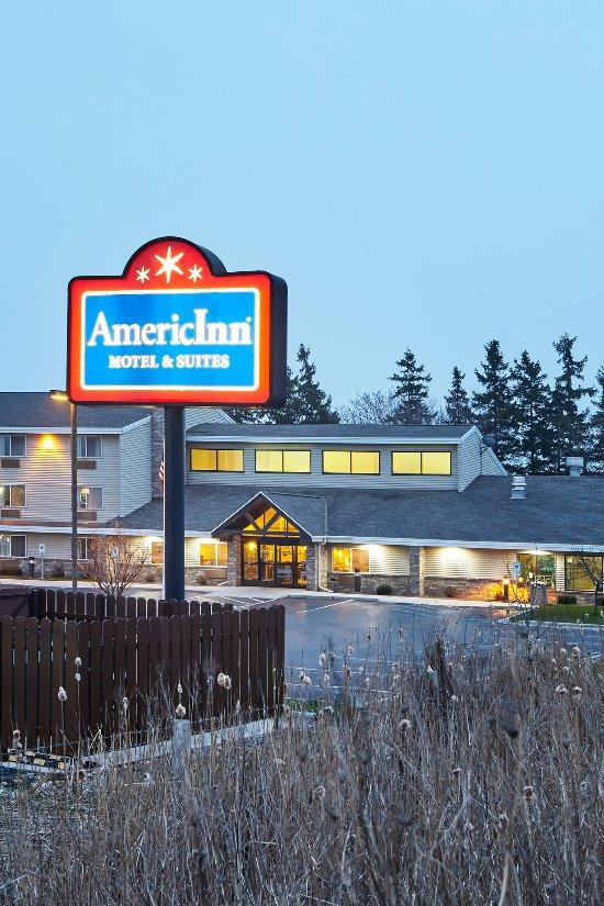 AmericInn Hotel & Suites Sheboygan