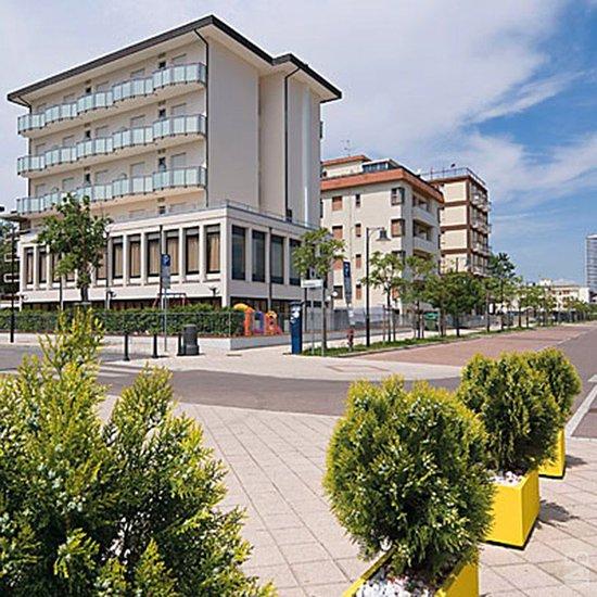 Little hotel reviews cesenatico italy tripadvisor for Little hotels