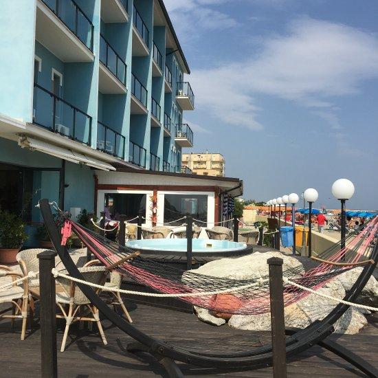 Hotel primavera reviews lido di savio province of for Bagno korasol