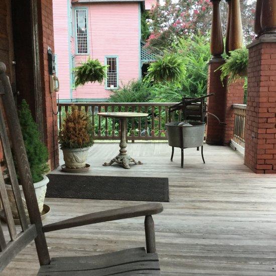 Travelers Inn Winston Salem Nc: Summit Street Bed And Breakfast Inns