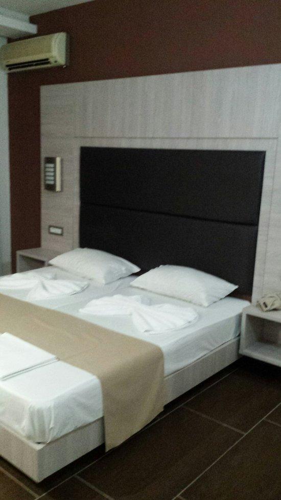 卡拉沃斯飯店