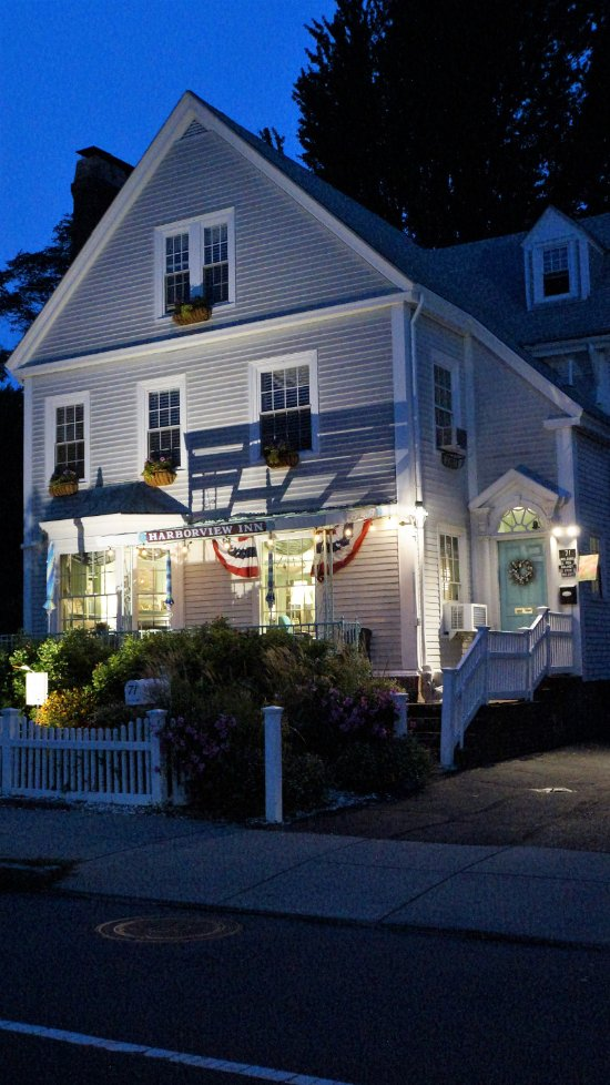 Harborview Inn