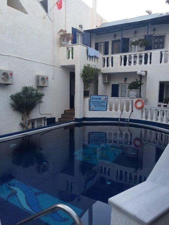 포르토 페리사 호텔