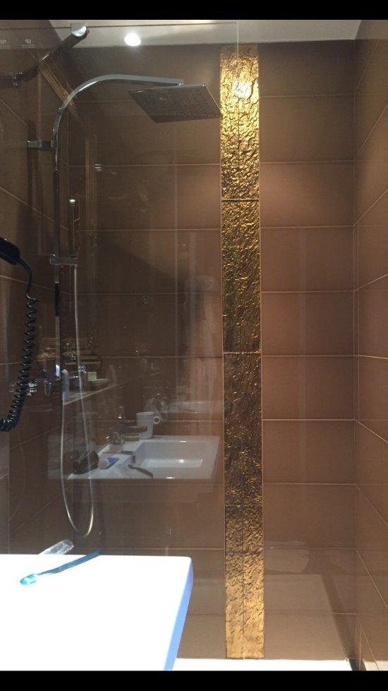 hotel la villa cannes croisette 4 6 8 3 6 6 018. Black Bedroom Furniture Sets. Home Design Ideas