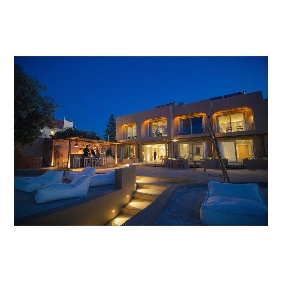 The theodore boutique hotel agia marina chania crete for Boutique hotel crete