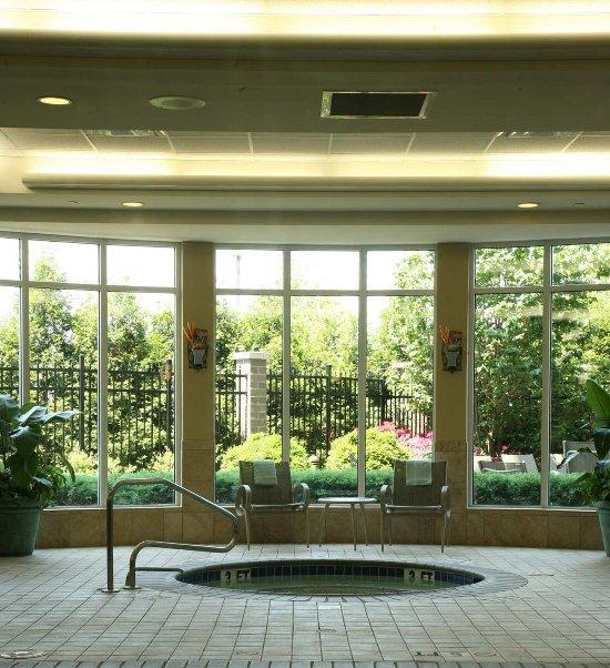 路易斯維爾機場希爾頓花園飯店