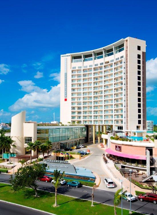 Krystal Urban Cancún