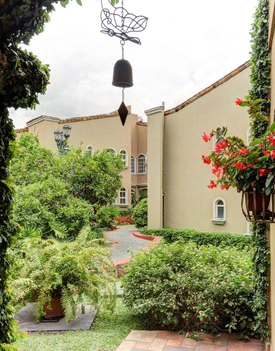 Casa Conde Hotel & Suites